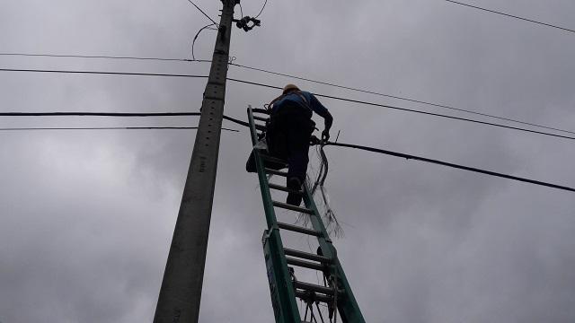 IBIÚNA – FURTOS DE CABOS TELEFÔNICOS VIRARAM ROTINA NA ESTRADA DA CACHOEIRA